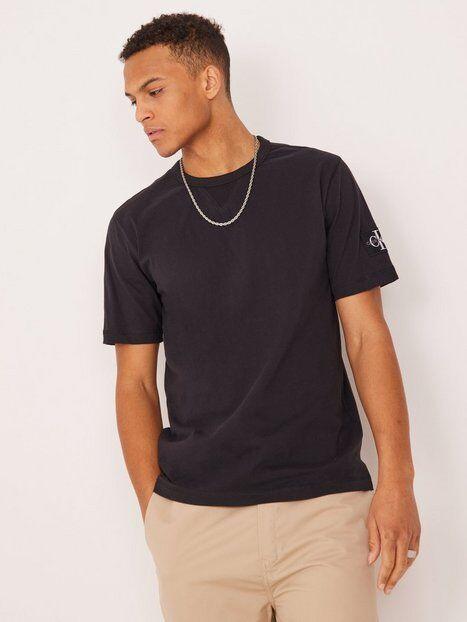 Image of Calvin Klein Jeans Monogram Sleeve Badge Reg Tee T-paidat ja topit Black