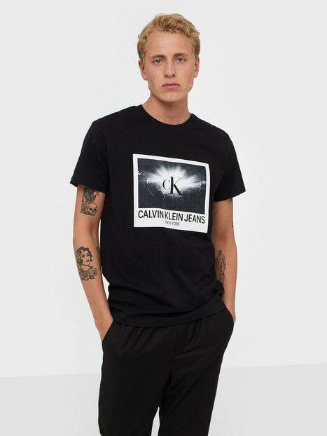 Image of Calvin Klein Jeans Rave Photo Box Reg Tee T-paidat ja topit Black