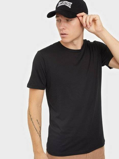 Selected Homme Slhtheperfect Ss O-Neck Tee B Noos T-paidat ja topit Musta