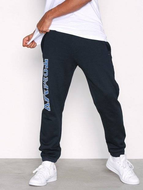 sneakers for cheap aaa3d 7c54a Tommy Jeans Essential College Sweatpant Housut Black Iris