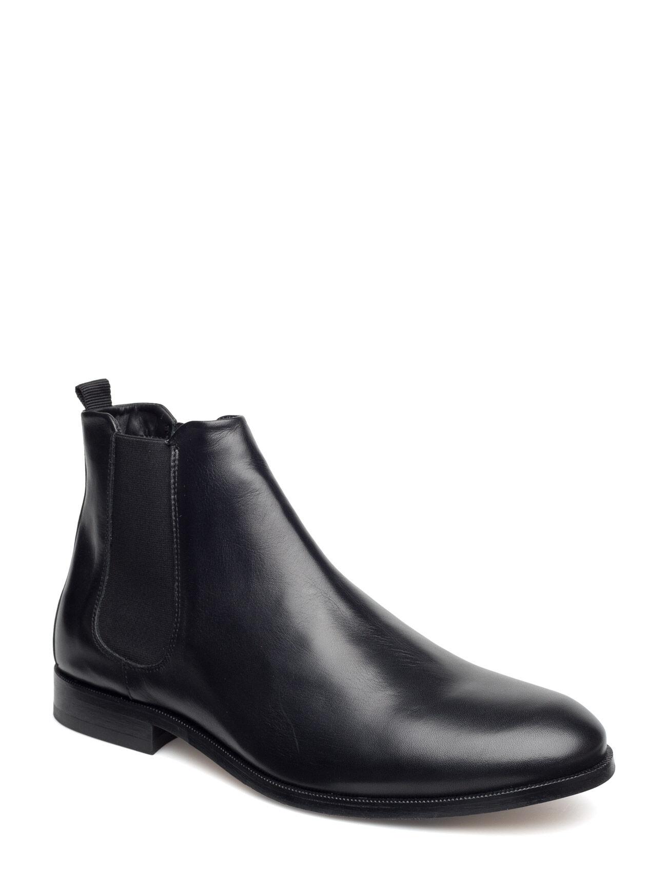Royal RepubliQ Cast Chelsea Shoe - Classic