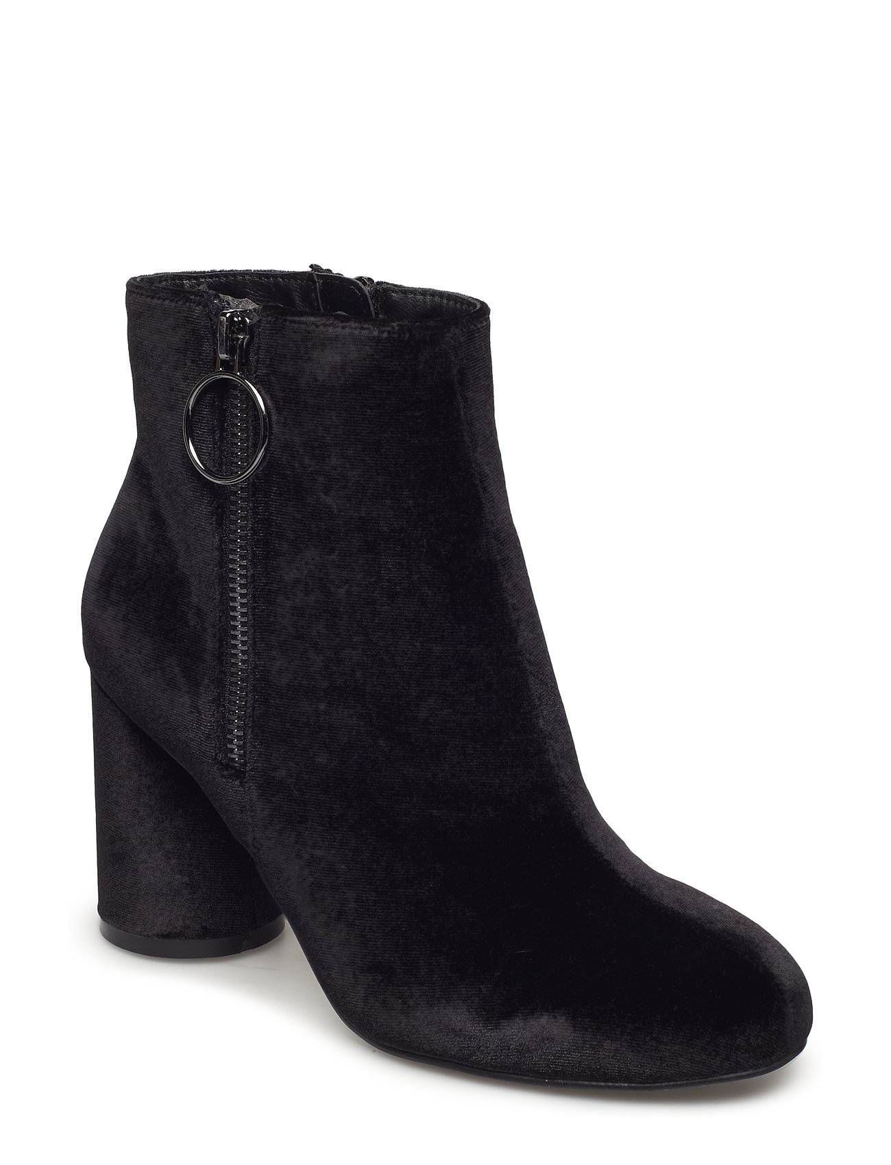 Bianco Round Heel Ankle Boot