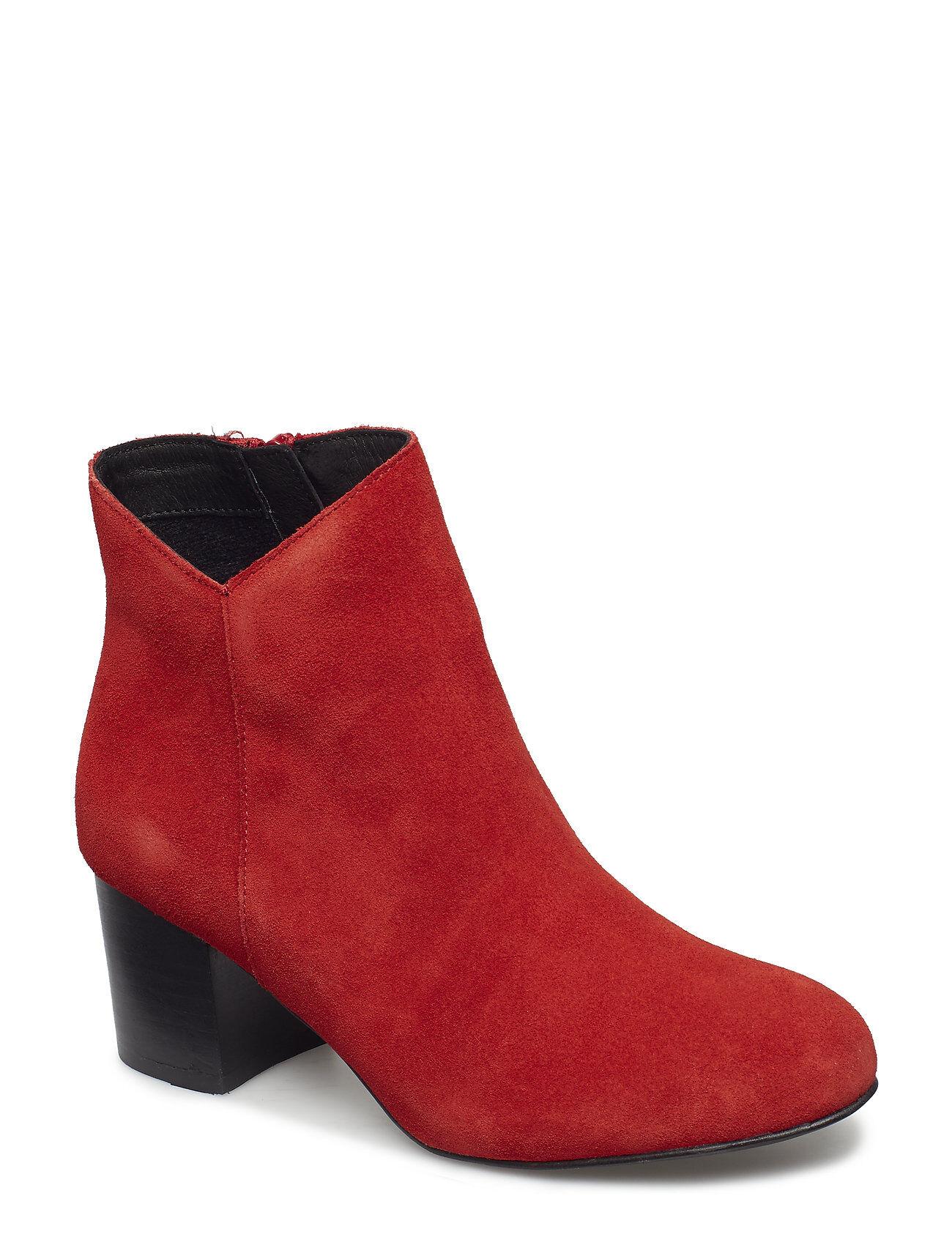 Bianco Suede V-Cut Boot