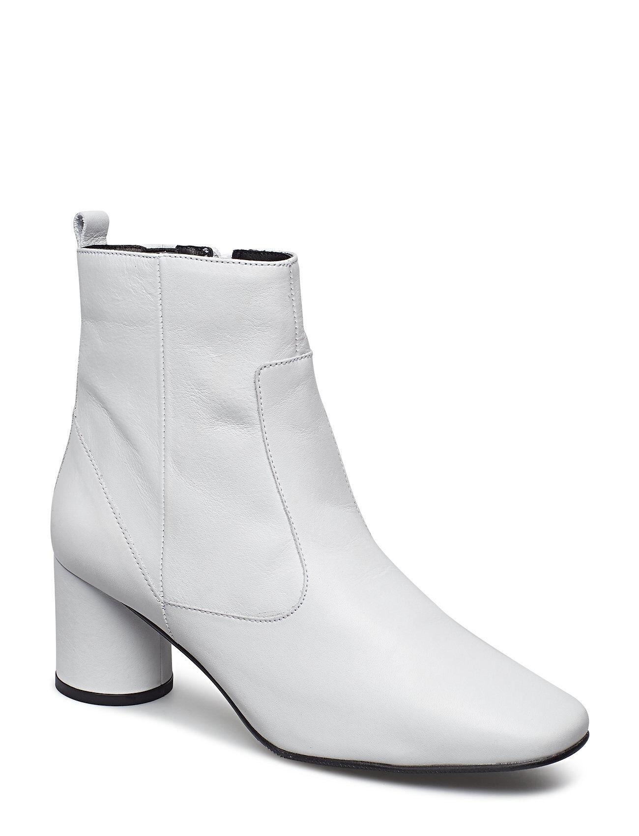 Bianco Boot W/Round Heel