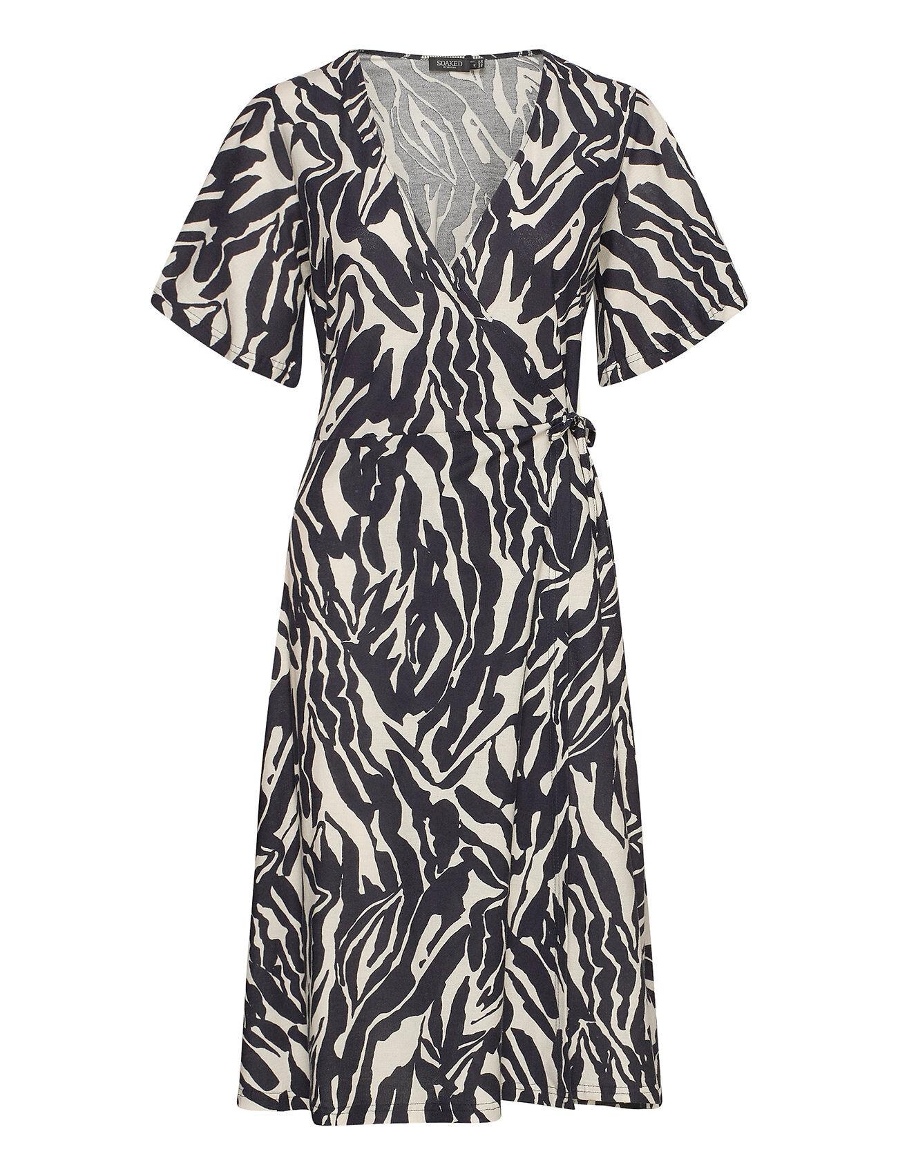 Soaked in Luxury Slsallie Dress Ss Polvipituinen Mekko Musta Soaked In Luxury