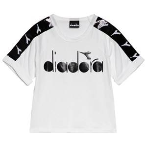 Image of Diadora White & Black Sequin Sleeve Branded T-Shirt XS (6 years)
