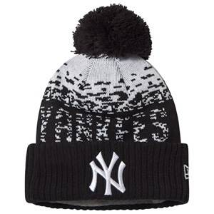 Image of New Era New York Yankees Pom-Pom Beanie Black and White Beanies