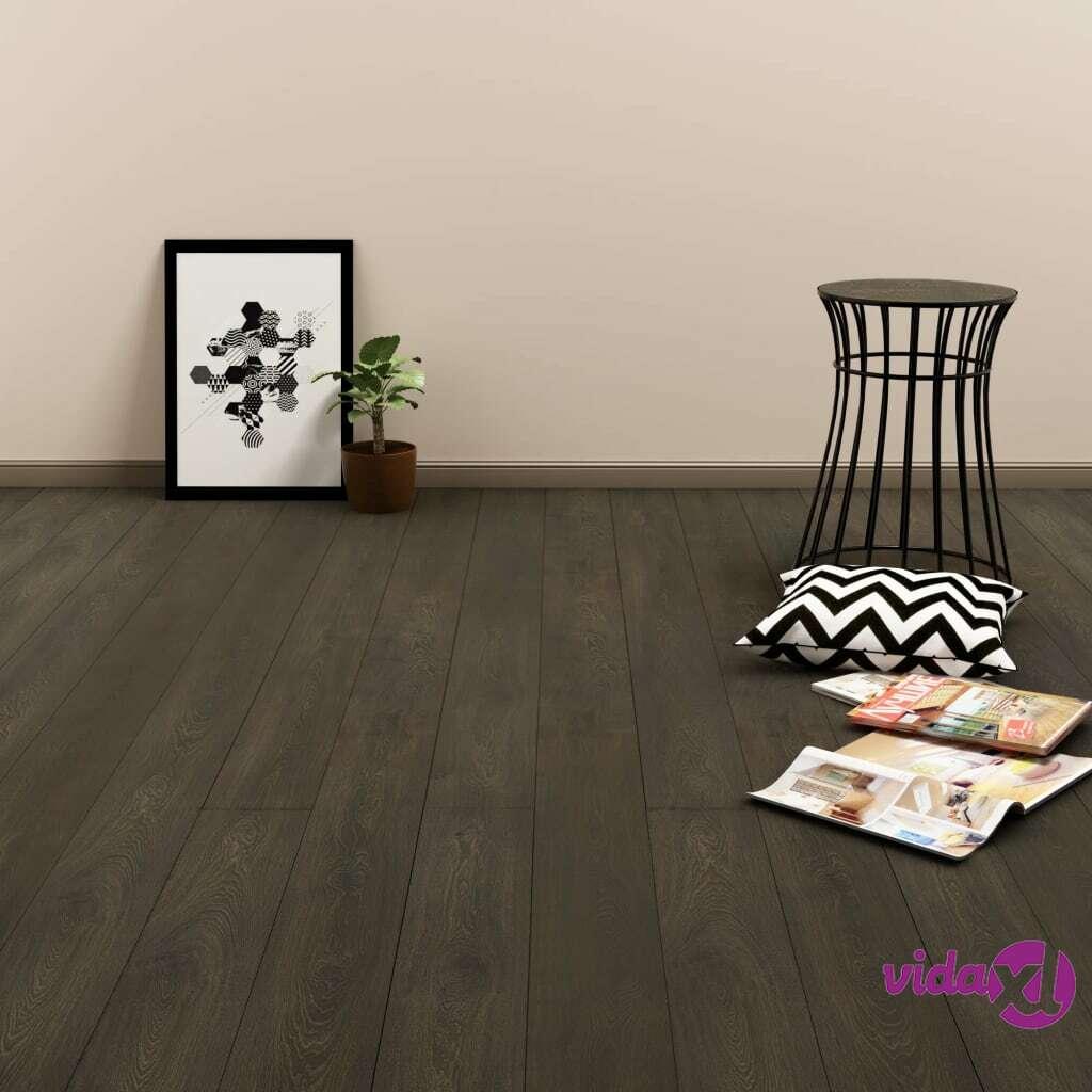 Image of vidaXL Itsekiinnittyvä lattialankku 4,46 m² PVC tummanruskea