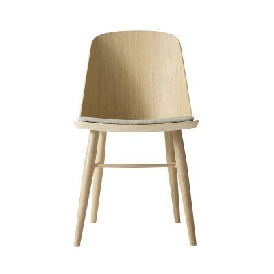 Menu Synnes tuoli, vaalea tammi/valkea tekstiili