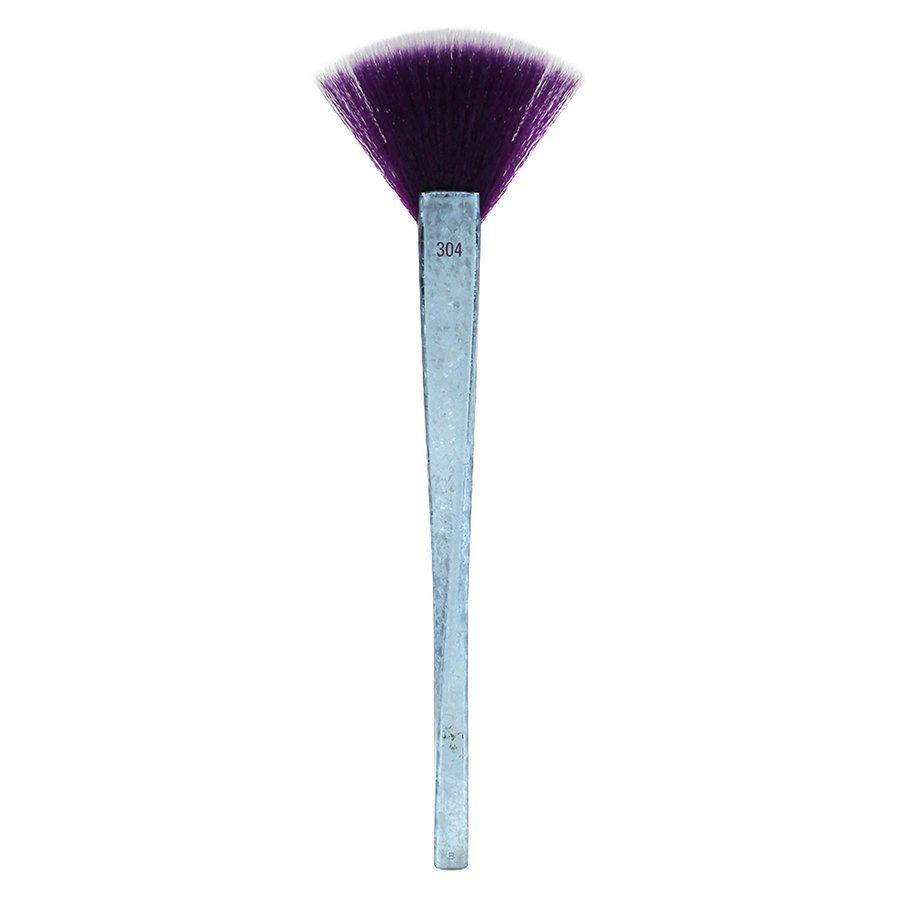 Real Techniques Brush Crush Volume II BC2 – 304 Fan Brush