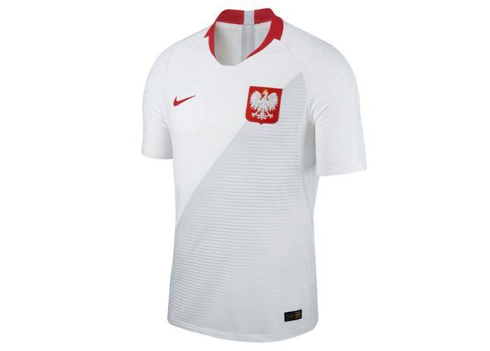 Image of Nike Miesten jalkapallopaita Nike Polska Vapor Match Home M 922939-100