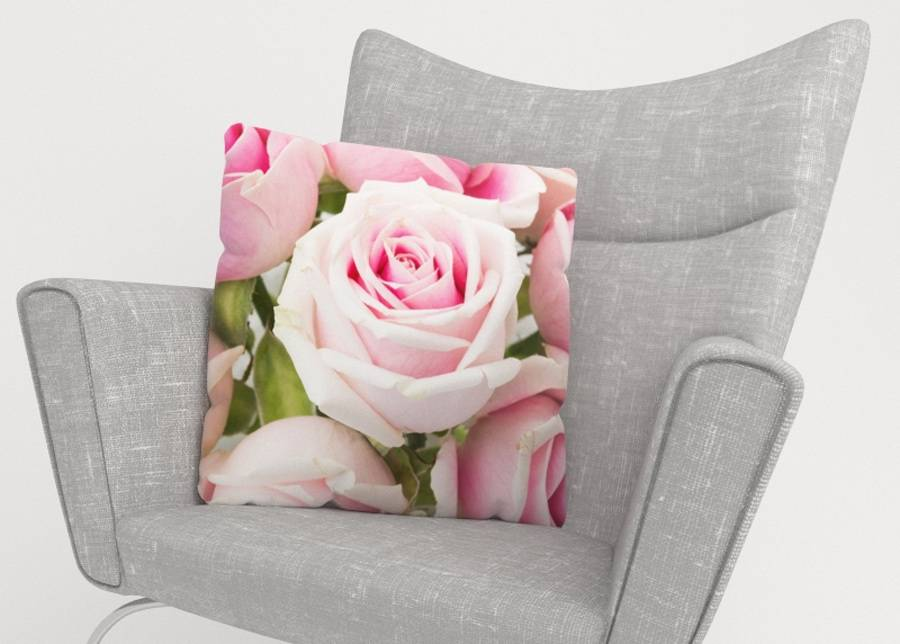 Image of Koristetyynyliina Royal Roses 50x50 cm