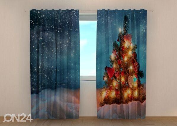 Image of Wellmira Puolipimentävä verho Christmas tree in snow 240x220 cm