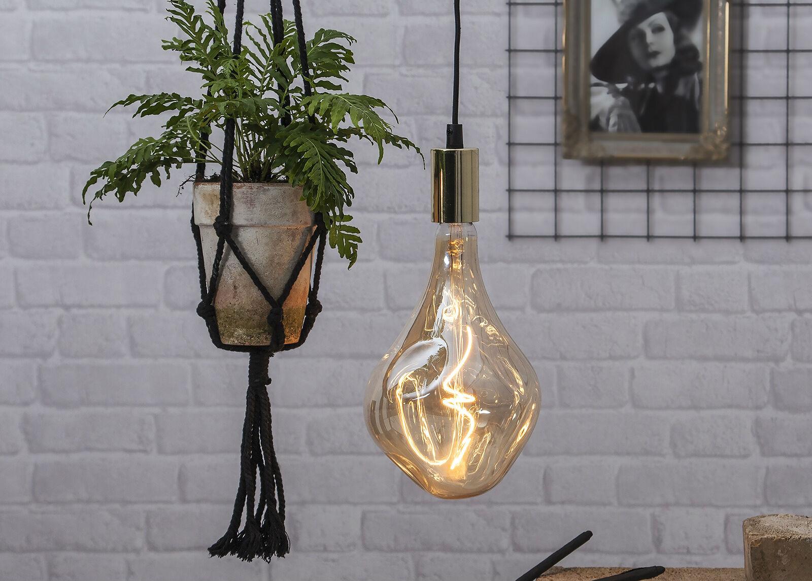 Star Trading Koristeellinen LED lamppu E27 kannalla