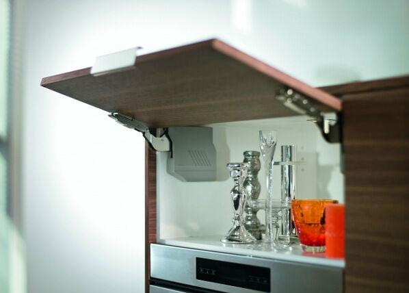 Baltest Mööbel Baltest keittiön yläkaappi 70 cm Aventos HKS mekanismilla h45