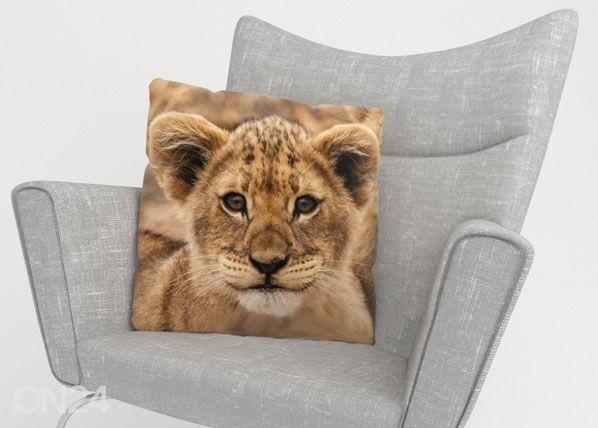 Image of Wellmira Koristetyynyliina CUTIE LION 50x50 cm