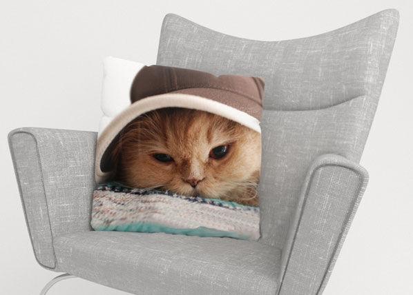 Image of Wellmira Koristetyynyliina CAT IN THE HAT 50x50 cm