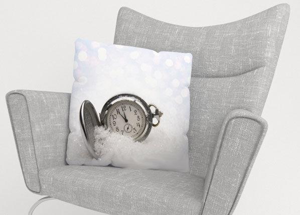 Image of Wellmira Koristetyynyliina CLOCK ON THE SNOW 45x45 cm