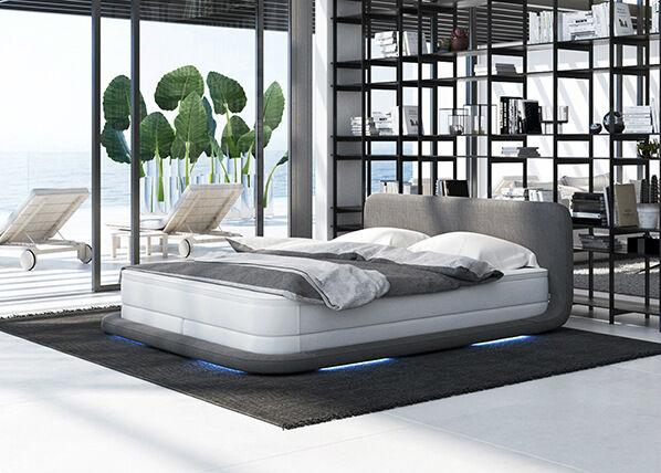 Salesfever LED alaistu sänku + patja 180x200 cm