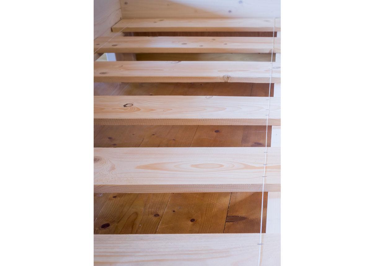 RaiEr Wood Massiivipuusänky vuodevaatelaatikolla Country Extra 120x200 cm