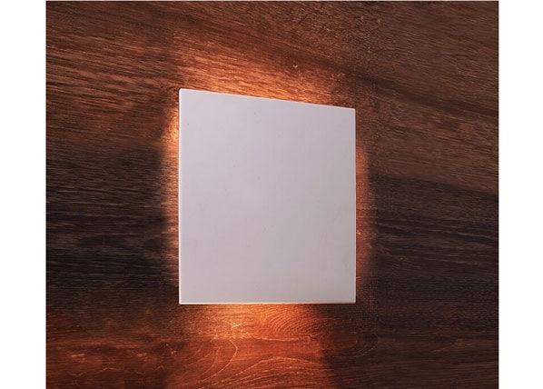 Deko-Light Seinävalaisin RELONO