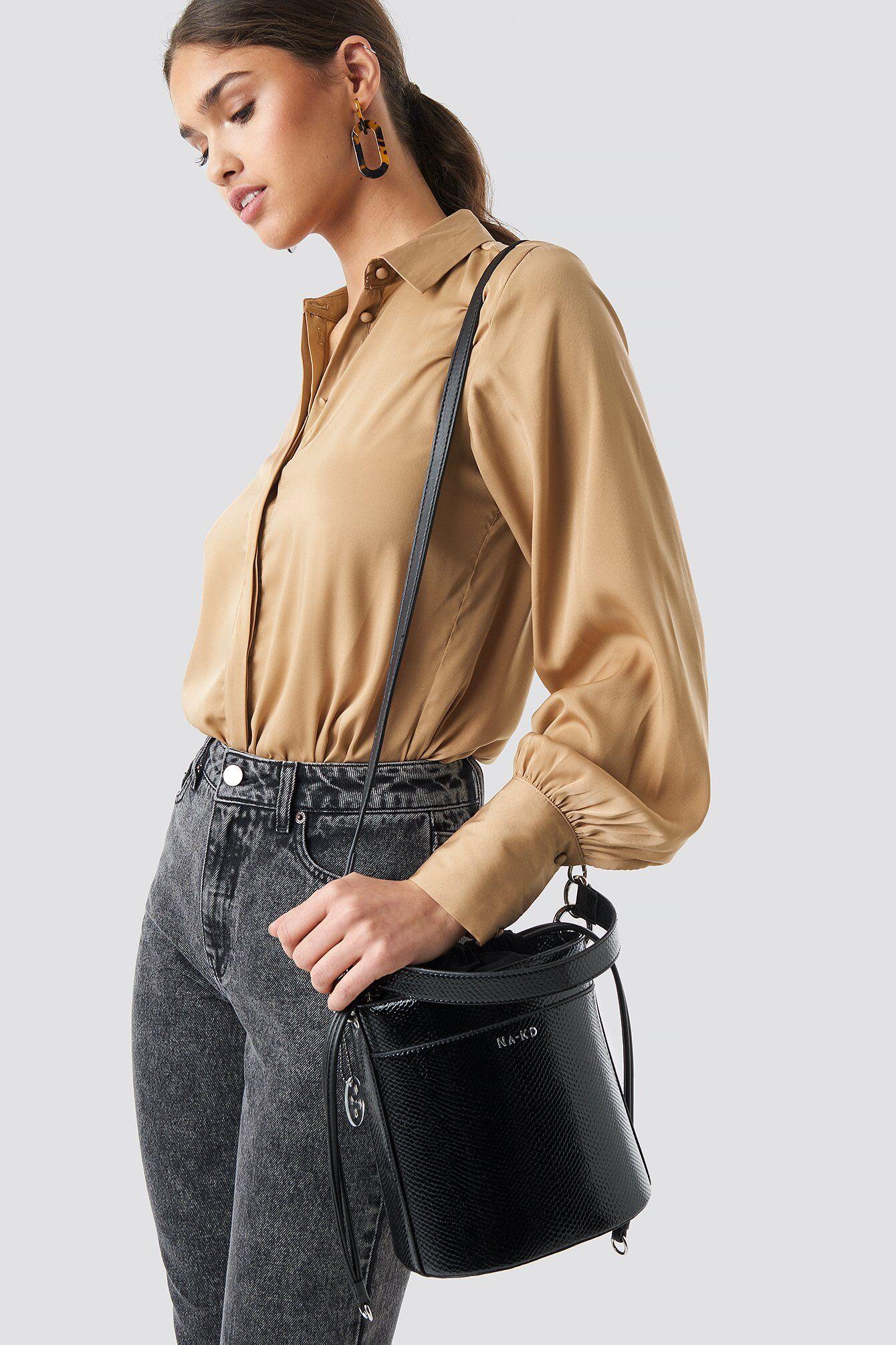 NA-KD Accessories Snake Bucket Bag - Black