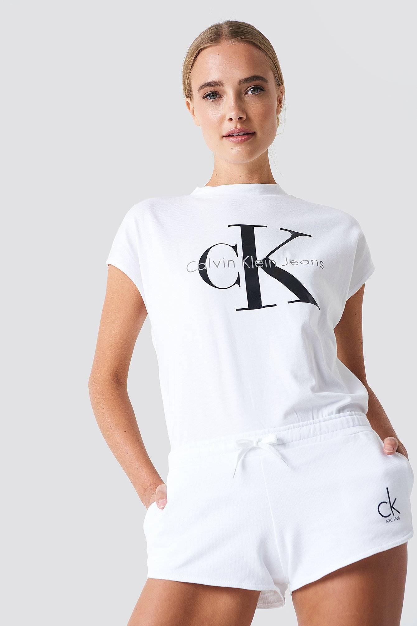 Calvin Klein Beach Runner Short - White