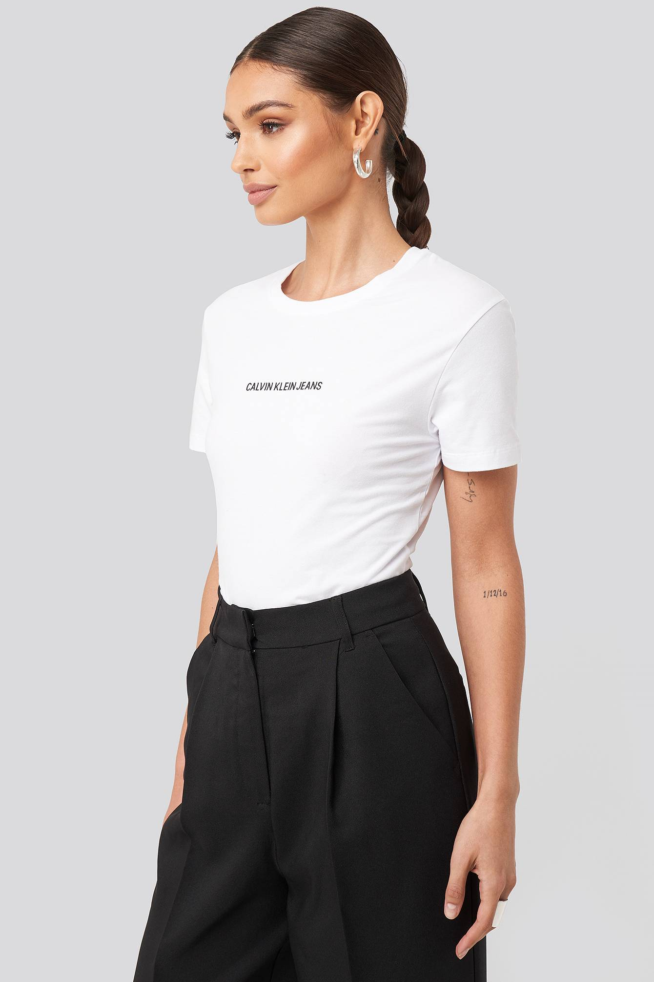 Calvin Klein Institutional Logo Stretch Slim Tee - White  - Size: Small