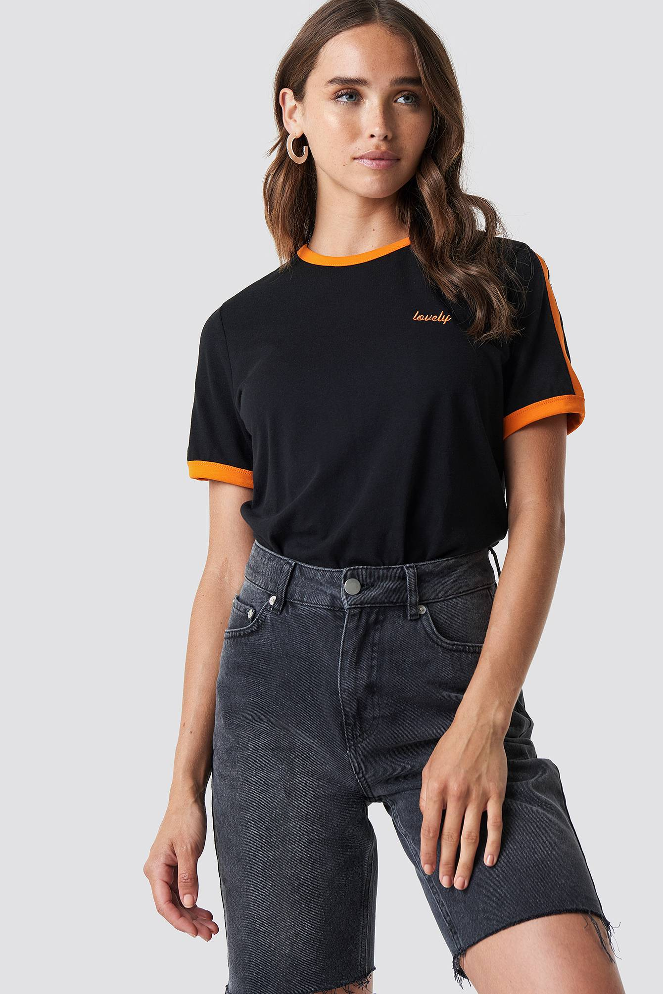 NA-KD Lovely Embroidery Tee - Black