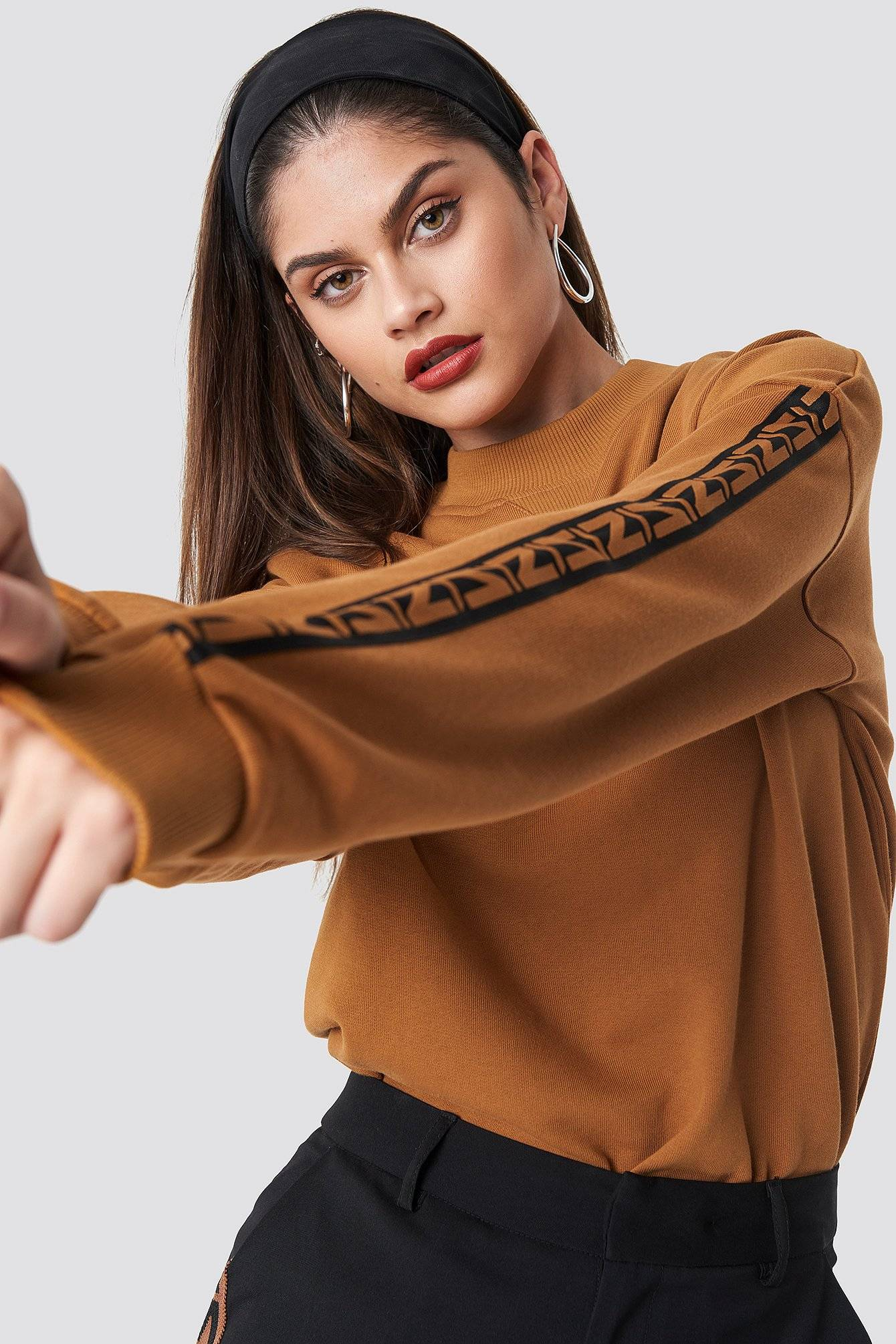 NA-KD Trend N Branded Stripe Sweatshirt - Orange