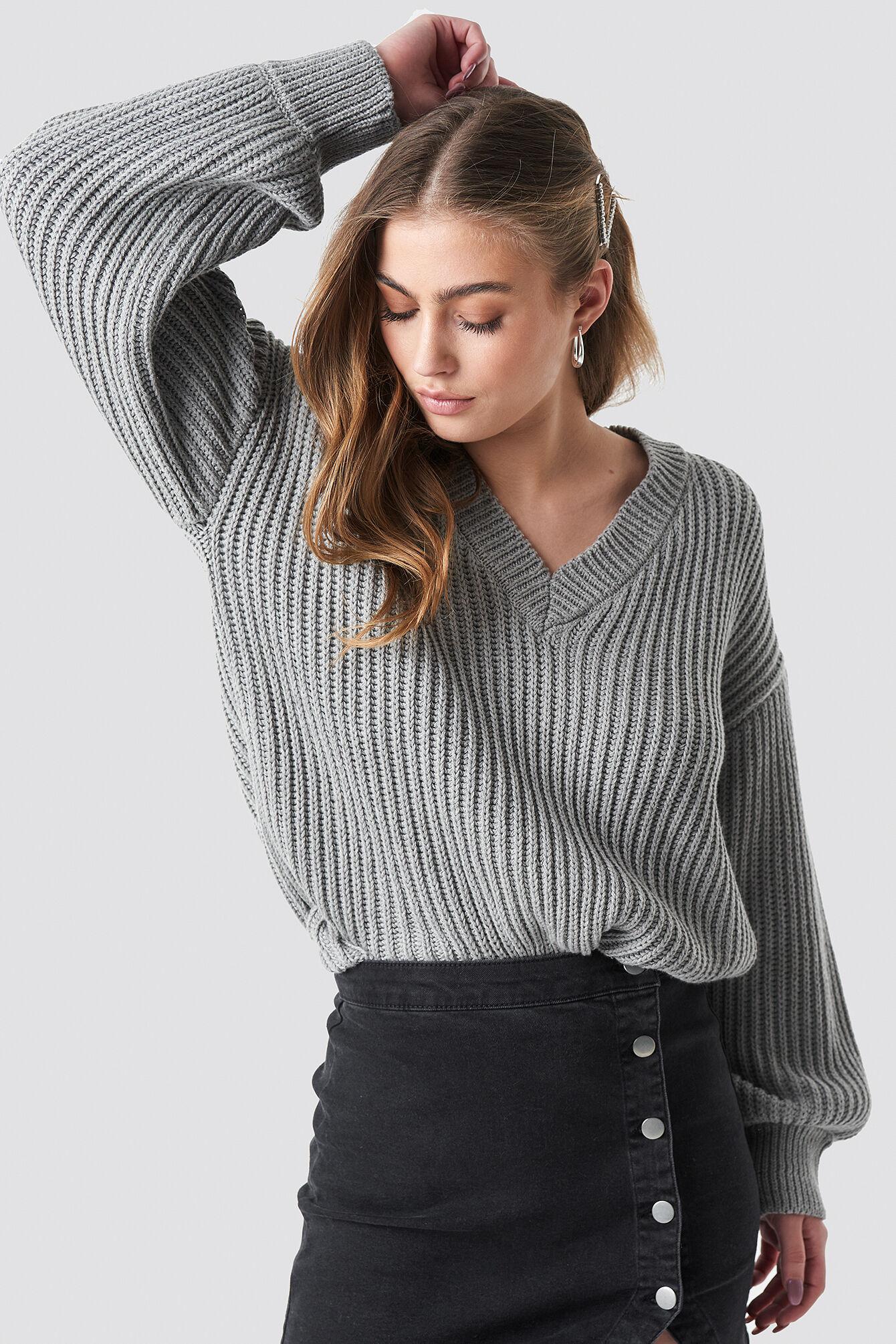 Donnaromina x NA-KD Balloon Sleeve V Shape Knitted Sweater - Grey