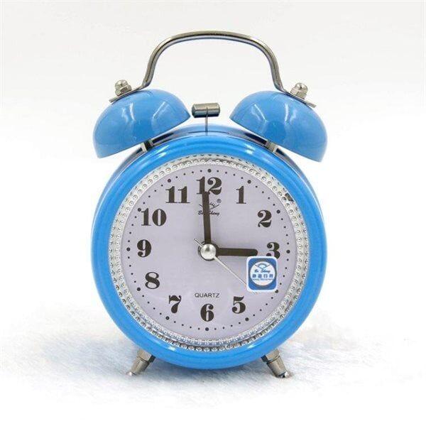Klassinen herätyskello, jossa Snooze ja valaistus