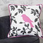 Housse de coussin Bird&Shadow; rose coton Housse de coussin Bird&Shadow;... par LeGuide.com Publicité