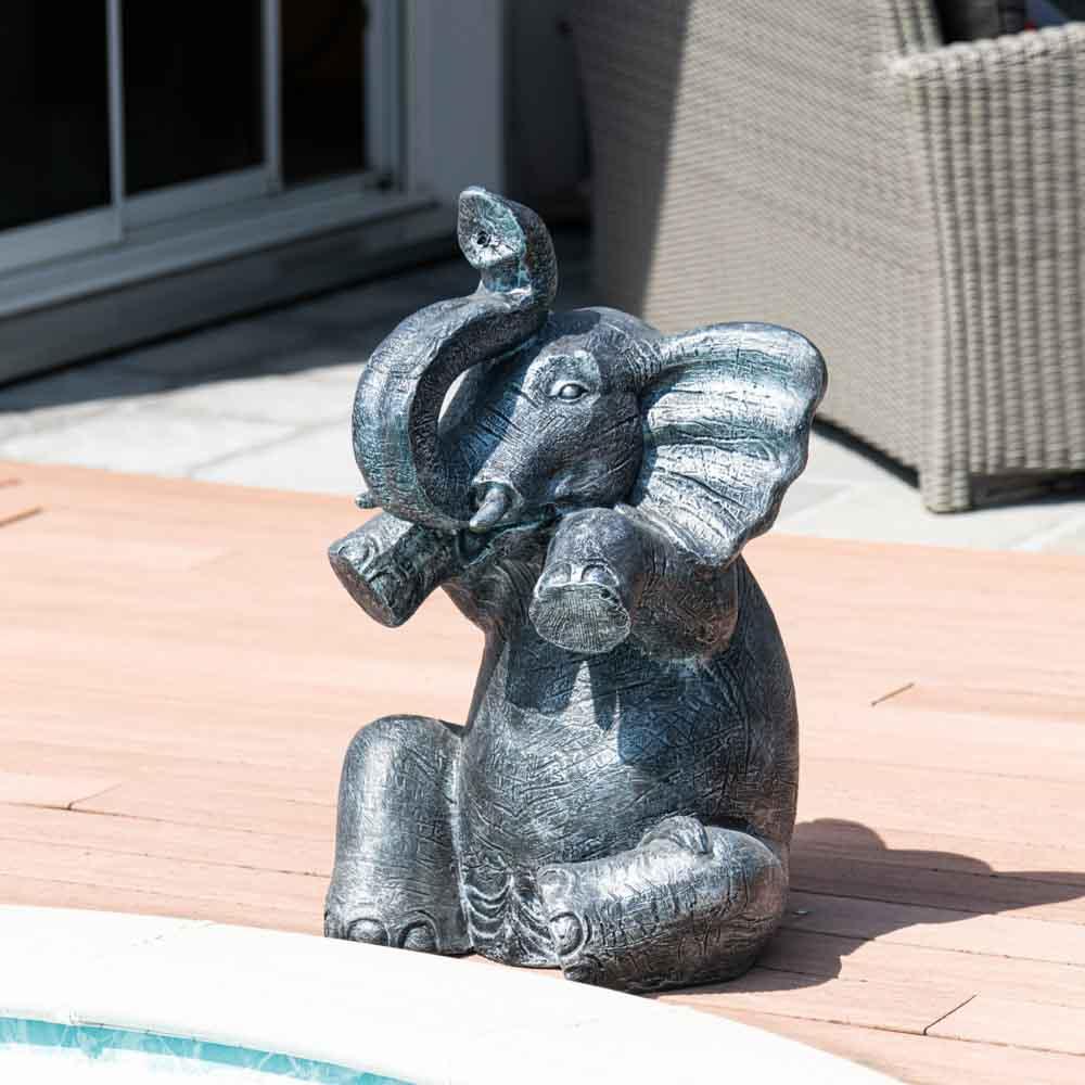 Wanda Collection Statue éléphant patiné gris assis 80 cm