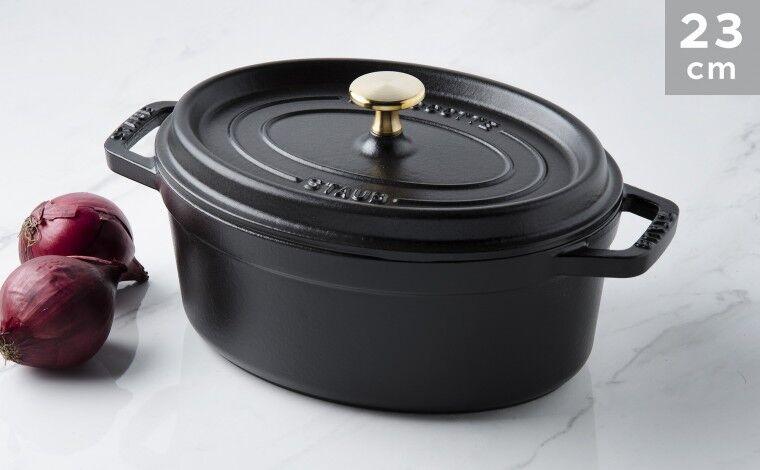 Staub Cocotte ovale fonte noire 23 cm