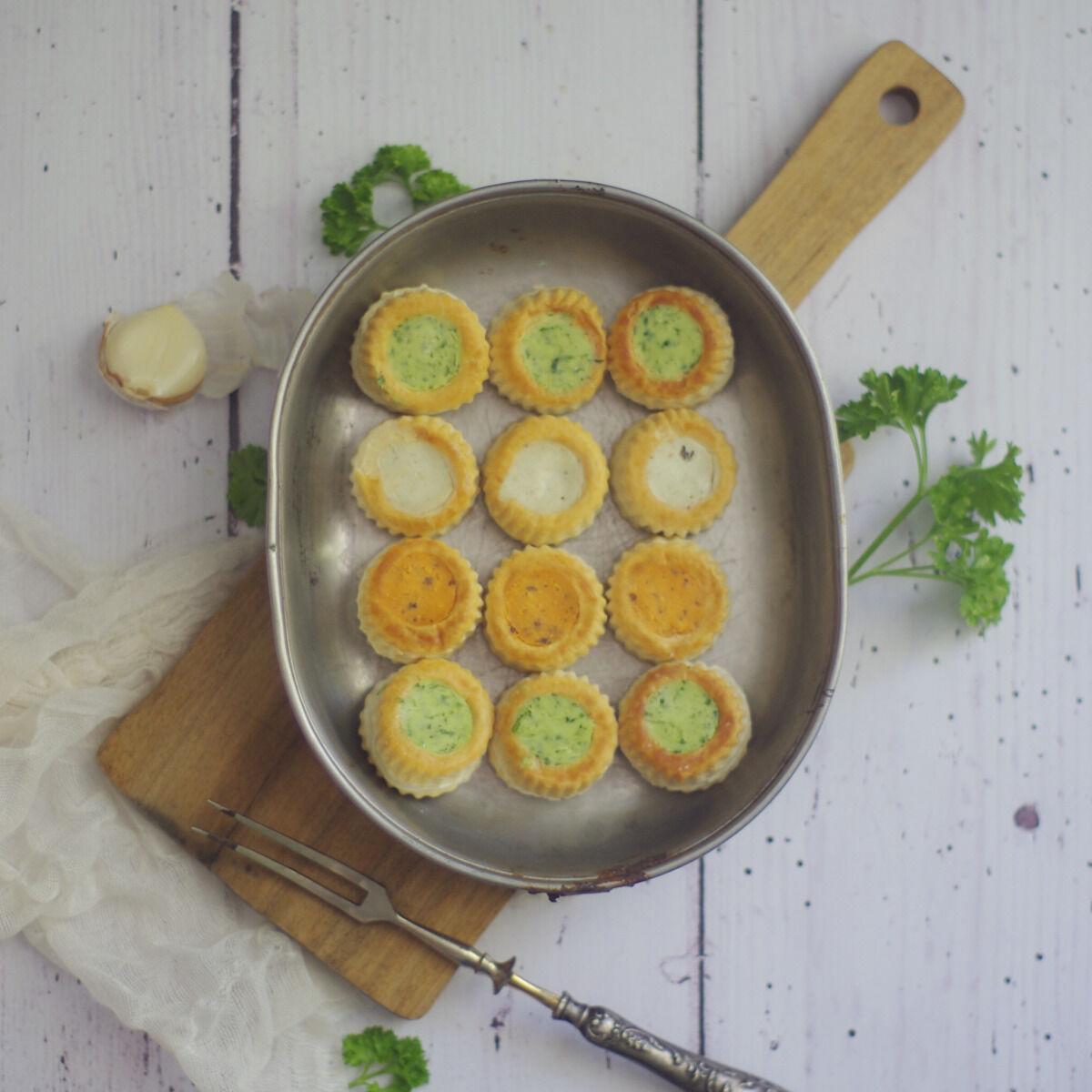 Limero l'Escargot Mayennais Lot De 5 Assiettes De 12 Mini Bouchées D'escargots Gros Gris Garnies Aux 3 Beurres