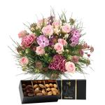 interflora  Interflora Bouquet Velours et ses amandes au chocolat Velours... par LeGuide.com Publicité