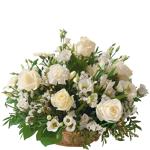 interflora  Interflora Bouquet Cérémonie Panier de fleurs blanches avec... par LeGuide.com Publicité