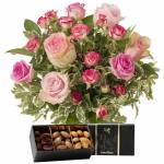 interflora  Interflora Bouquet de l'amour et ses amandes au chocolat... par LeGuide.com Publicité