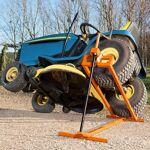 MANUPRO Cric Lève Tracteur Tondeuse 400 kg Empattement maxi 98cm - Inclinaison... par LeGuide.com Publicité