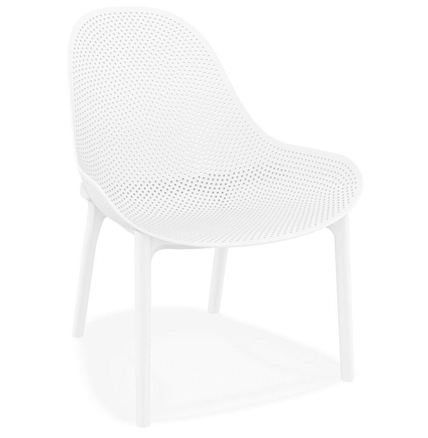 Alterego Fauteuil lounge de jardin perforé 'SILO' blanc design