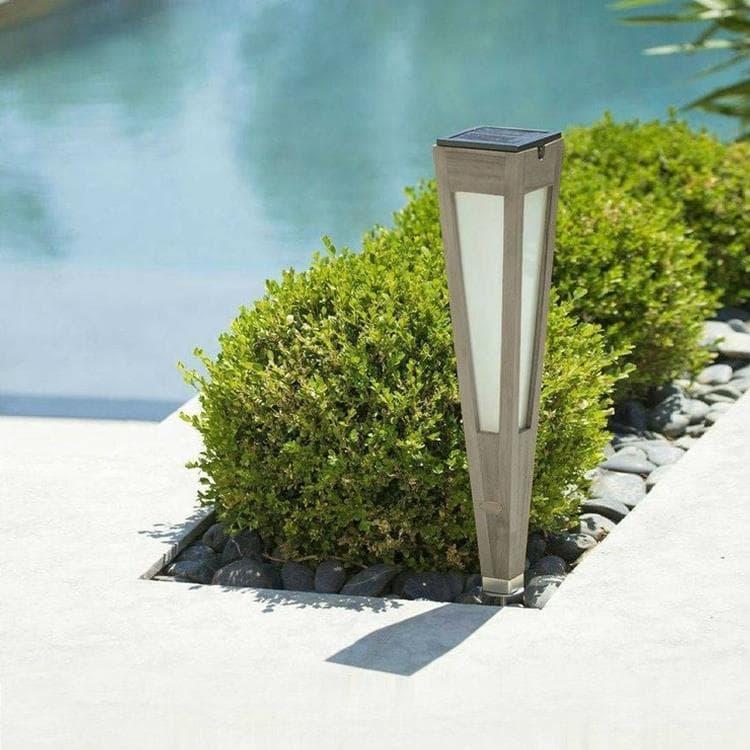 Les Jardins Borne extérieur Les Jardins TINKA TECKA-Torche d'extérieur LED à planter rechargeable & solaire Bois H52cm Gris