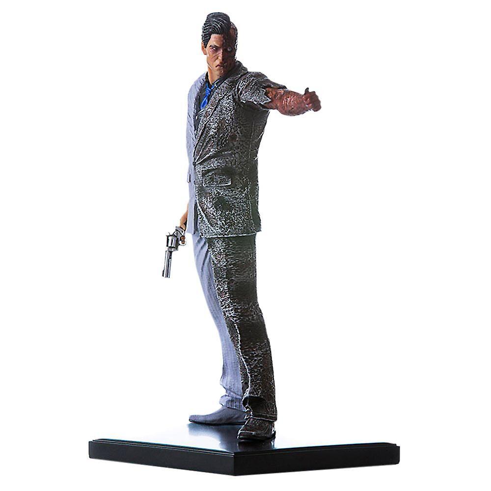 Batman Arkham Knight Two Face 1:10 Statue