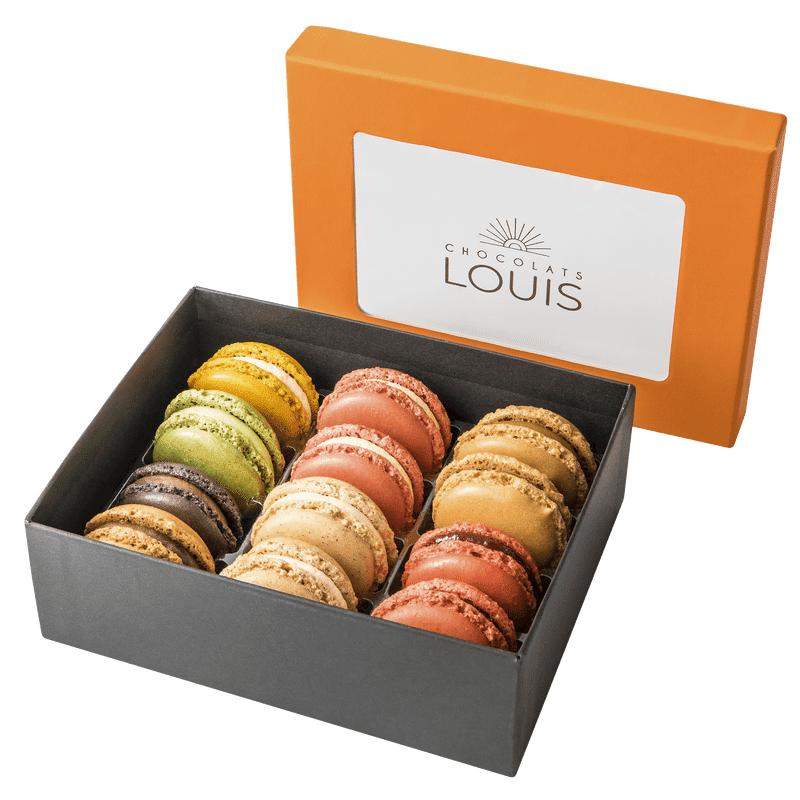 Interflora Assortiment de 12 macarons - Chocolats Louis - Livraison par Chronopost - L'atelier Interflora - Interflora