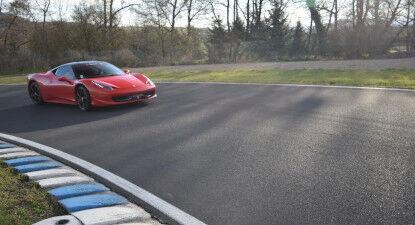 Cap Adrénaline Stage de Pilotage en Ferrari 458 Italia - Circuit d'Issoire