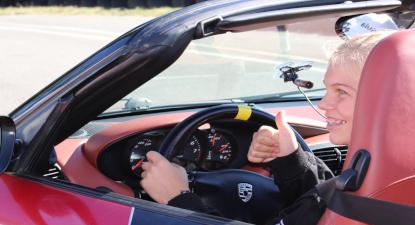 Cap Adrénaline Stage de Pilotage spécial enfant sur GT (Porsche, BMW...) près de Pau