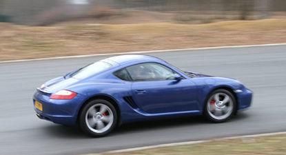Cap Adrénaline Pilotage sur Route d'une Porsche Cayman S près d'Orsay