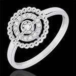 edenly  Edenly Bague Fleur de Sel - cercle - or blanc 18 carats Un cercle... par LeGuide.com Publicité