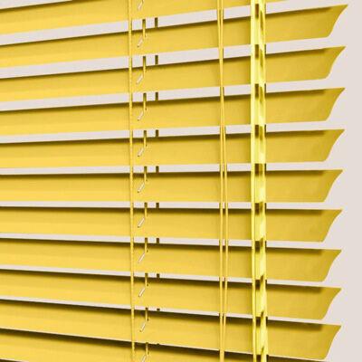 Store vénitien jaune