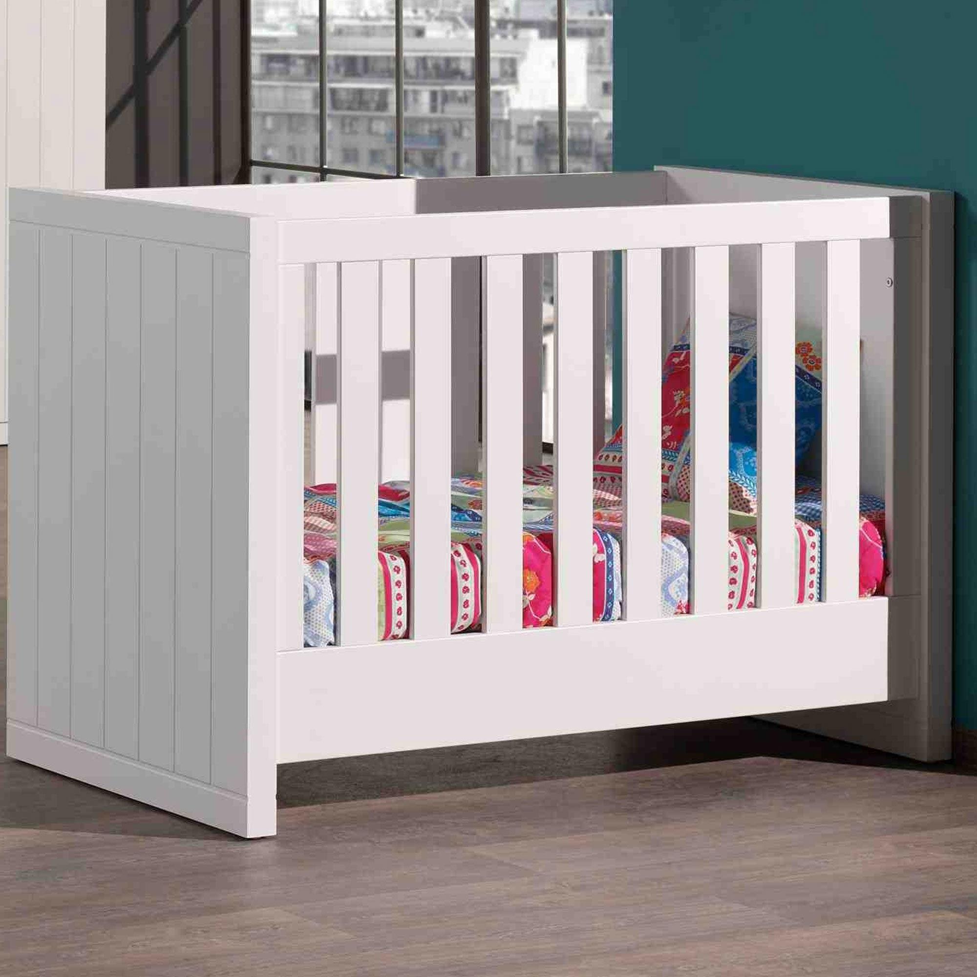 Lit bébé 60x120 cm + sommier laqué blanc - BREVAL
